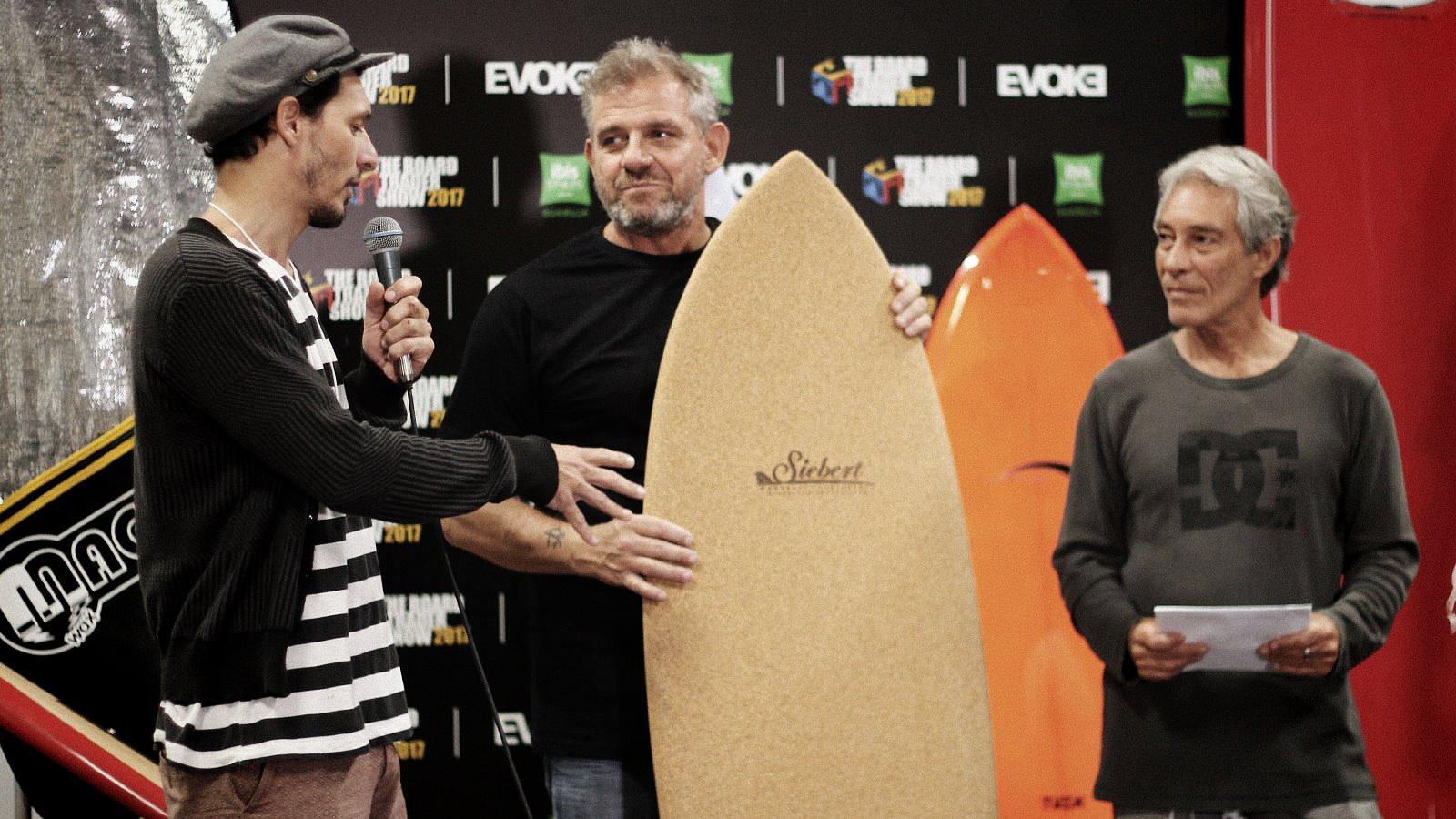 Felipe Siebert Recebendo Prêmio